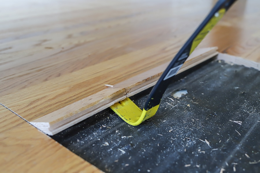 How to remove hardwood flooring