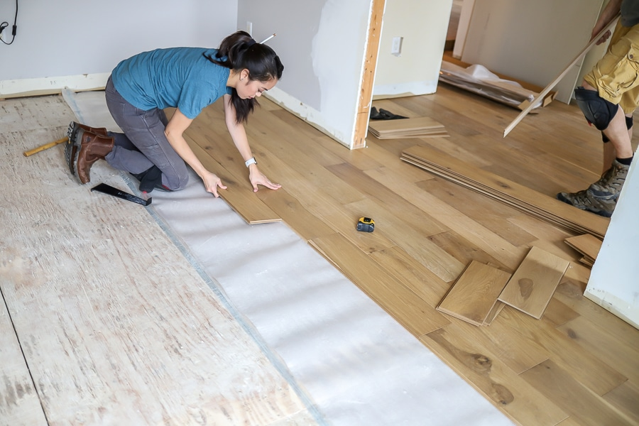 How to lay engineered hardwood floors