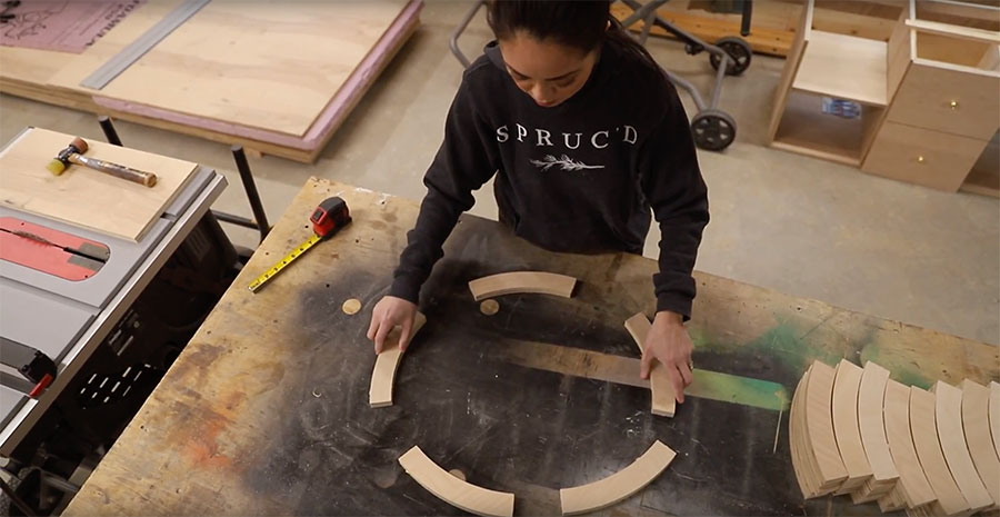 Making a DIY round end table out of plywood