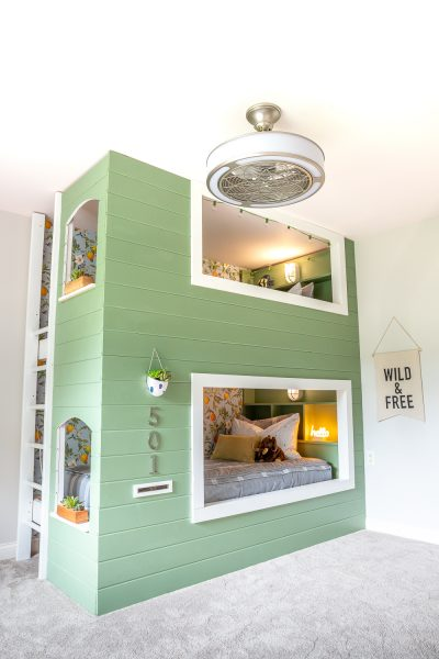 How to build a DIY built-in bunk bed for kids (with storage shelves!)