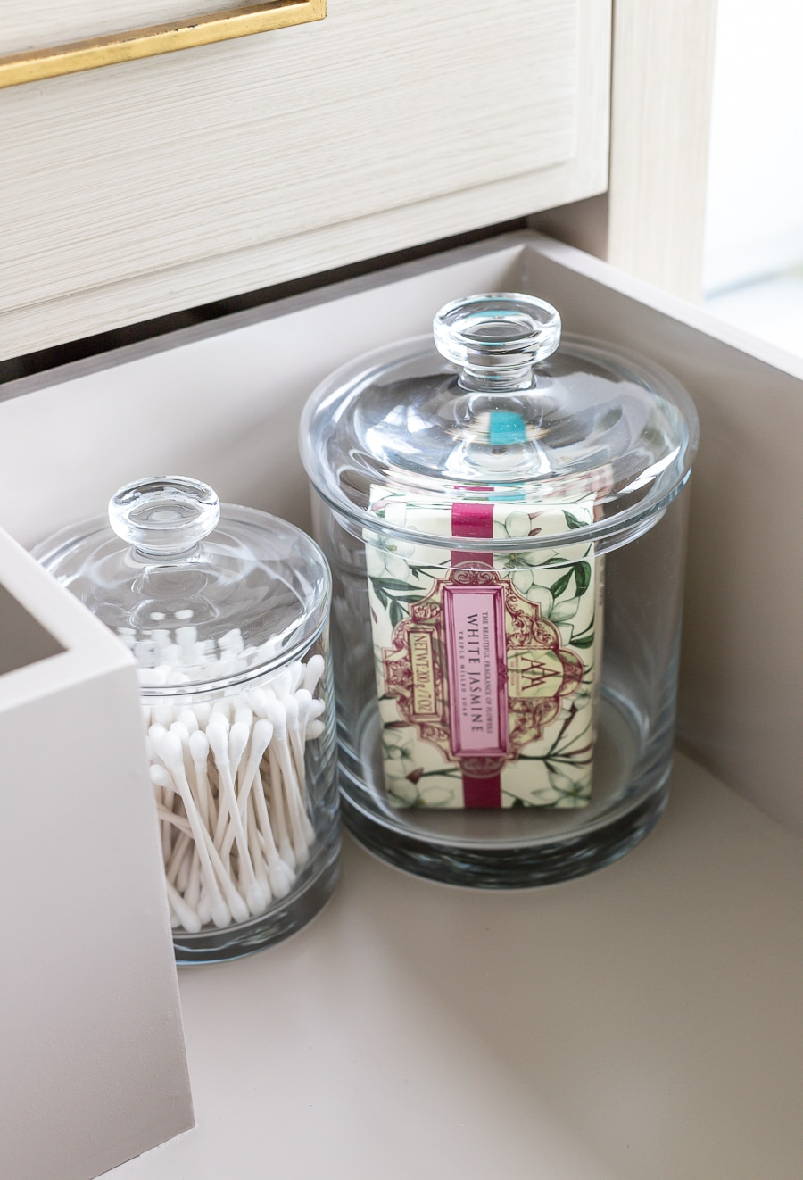 Guest bathroom essentials - how to make your guests feel pampered