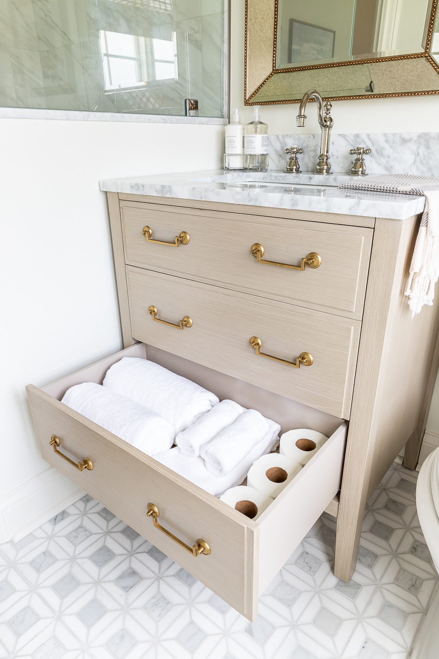 Beautiful vanity with storage in small bathroom