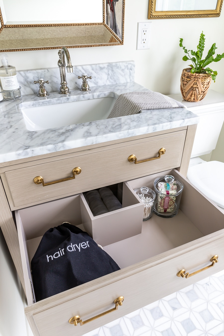 How to stock a guest bathroom