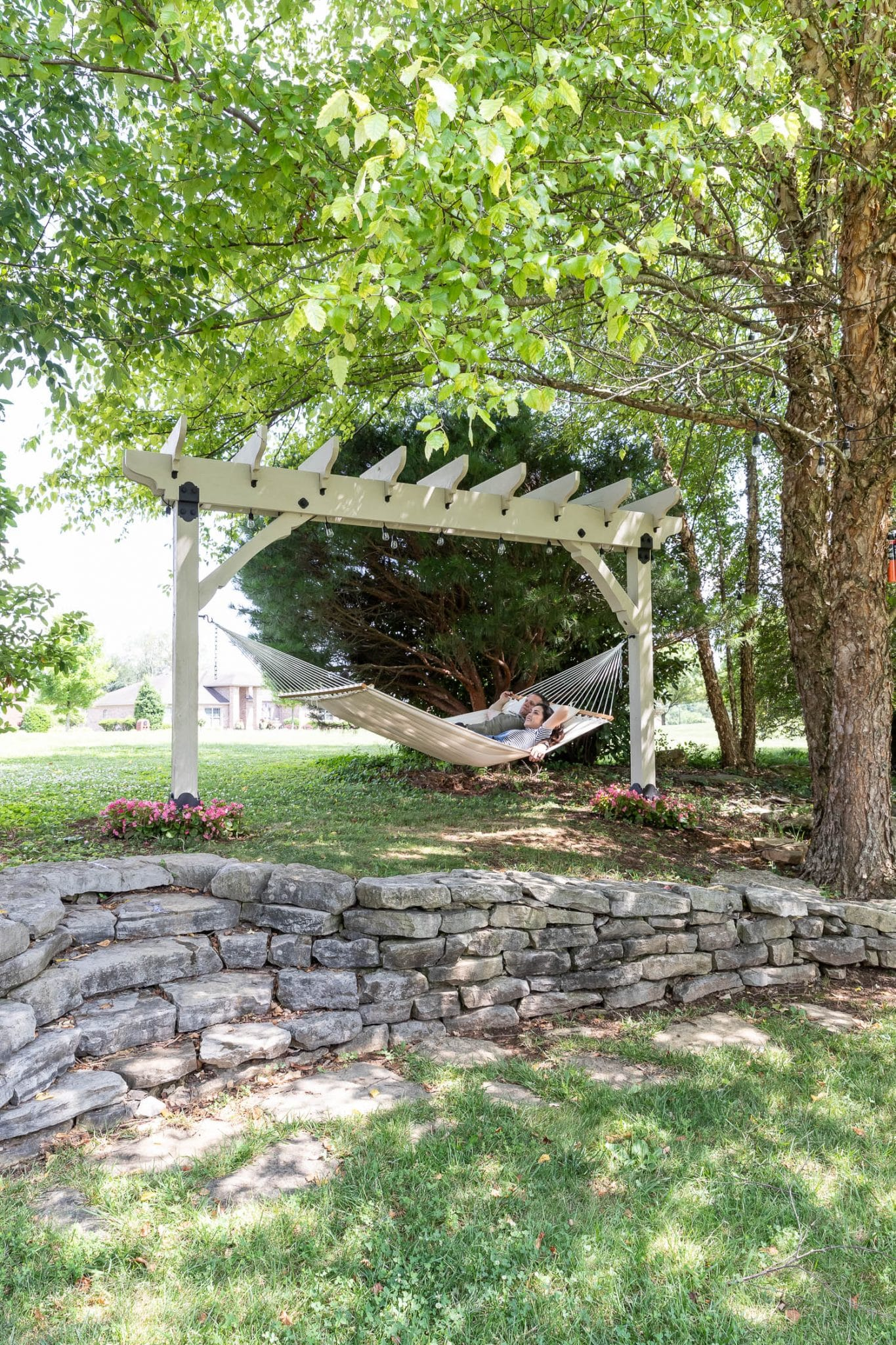How to build a DIY pergola hammock stand and outdoor movie screen