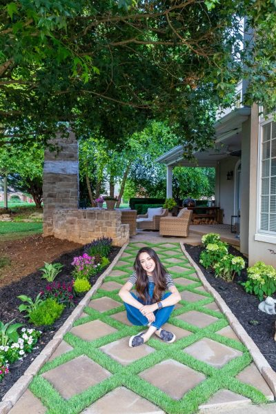 How to lay a DIY paver walkway with grass in between
