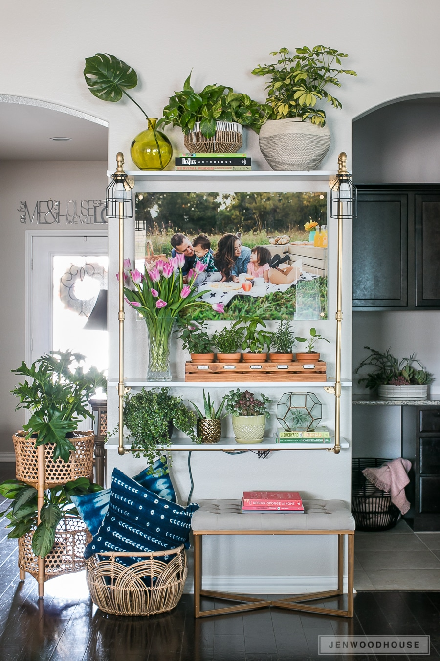 How to style your shelf for Spring