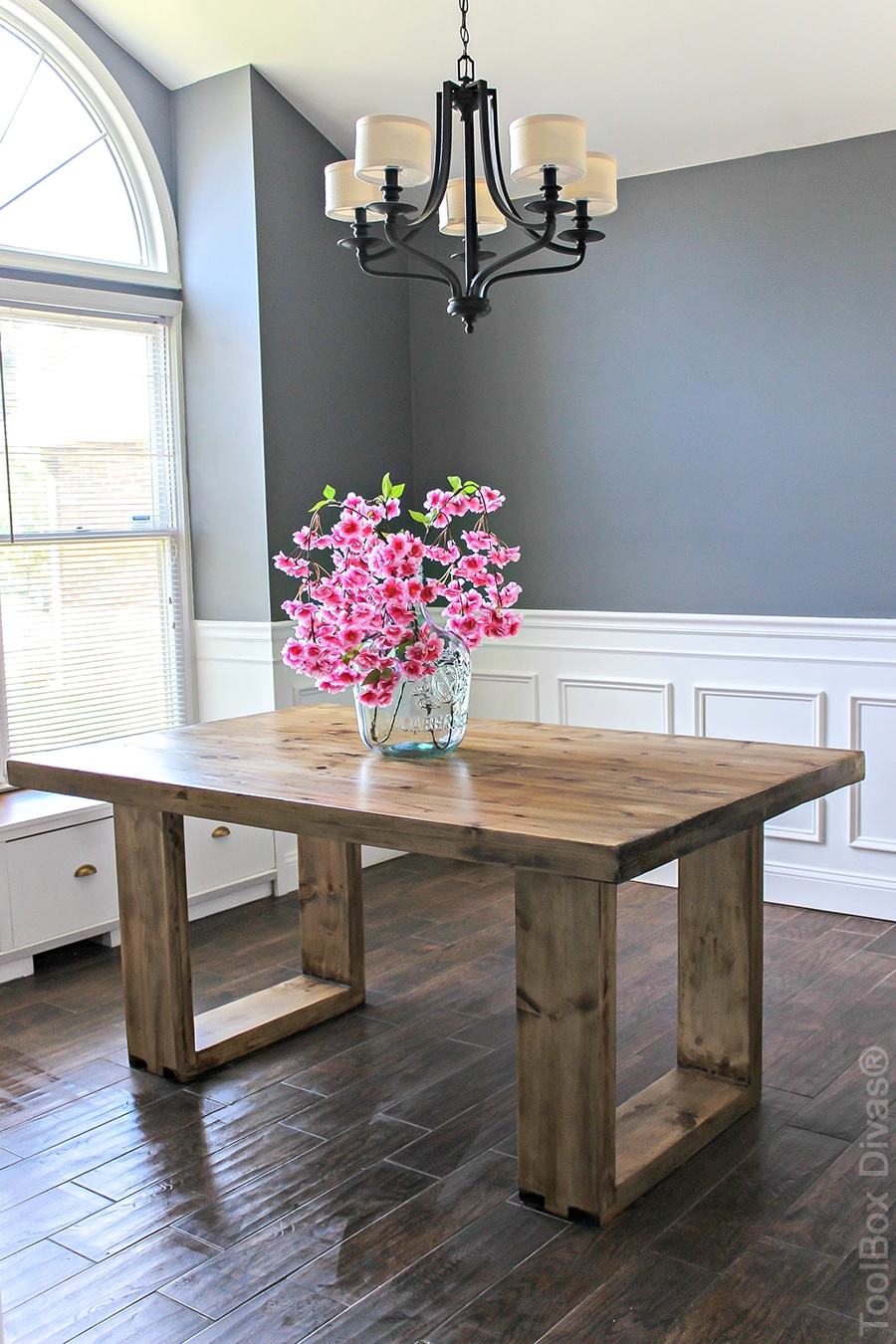 diy husky modern dining table. Black Bedroom Furniture Sets. Home Design Ideas