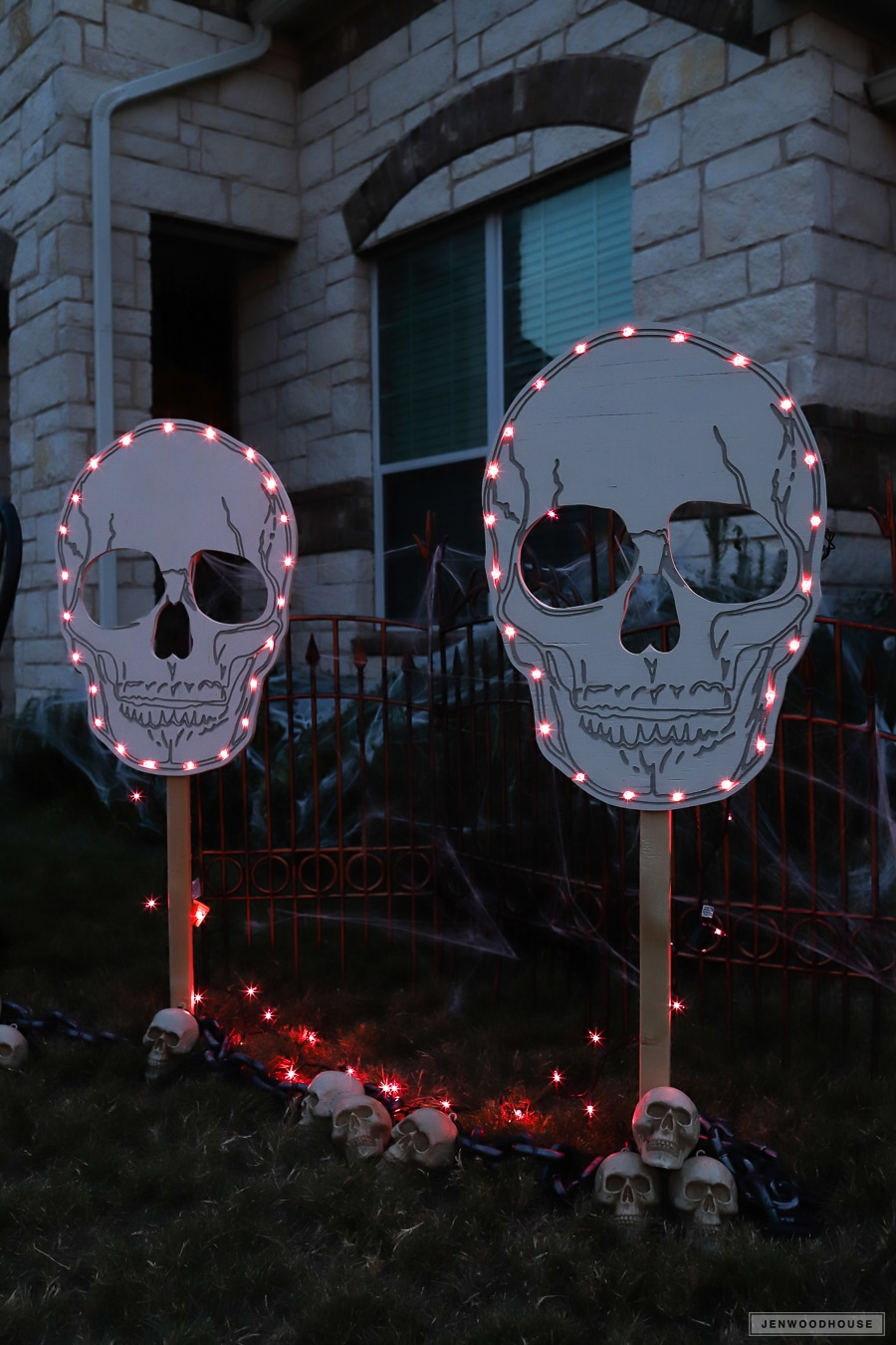 Halloween skeleton and skull yard signs and lawn decor