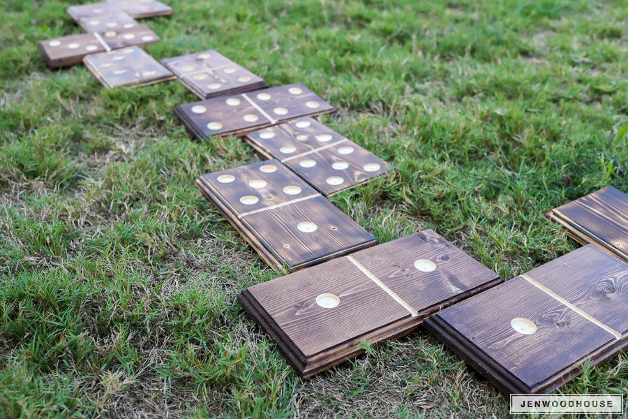 DIY Lawn Dominoes