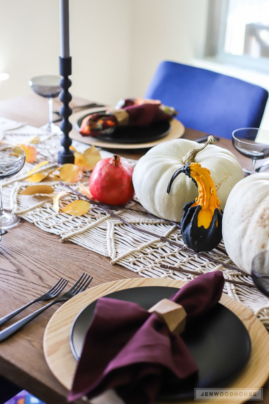 How to decorate your dining room for Fall - Fall Tablescape