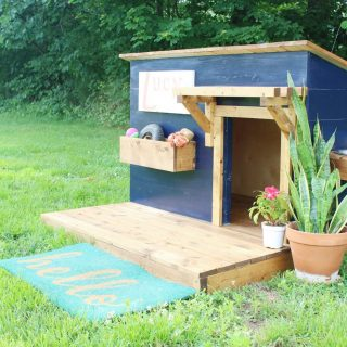 How to build a DIY doghouse with deck
