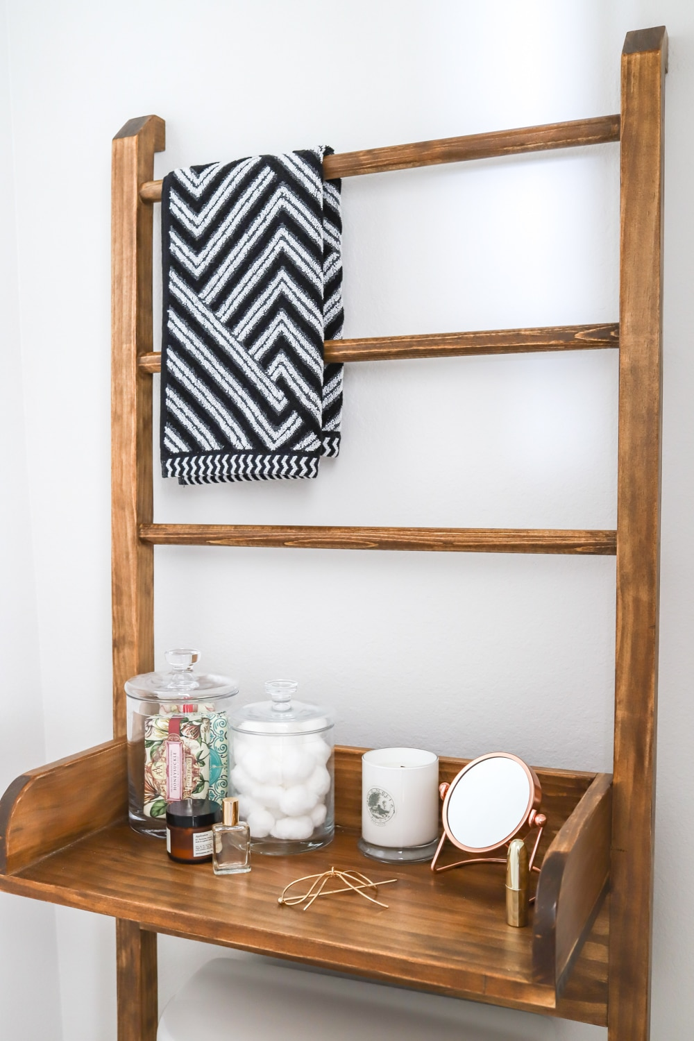 How to make a DIY leaning ladder bathroom shelf