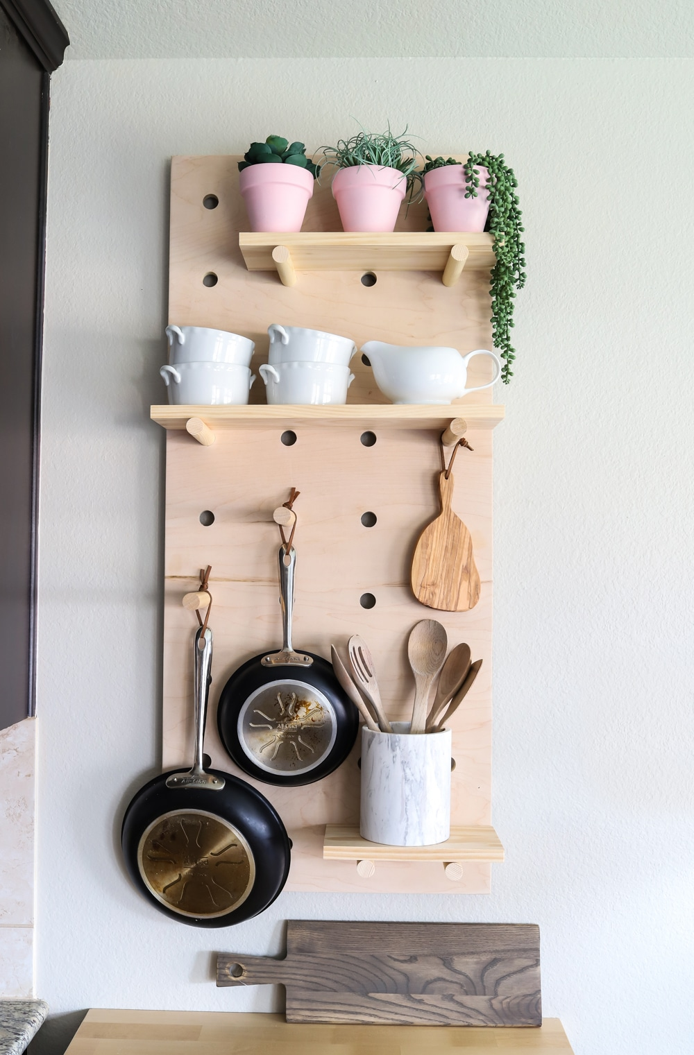 How to make DIY oversized pegboard shelves for your kitchen