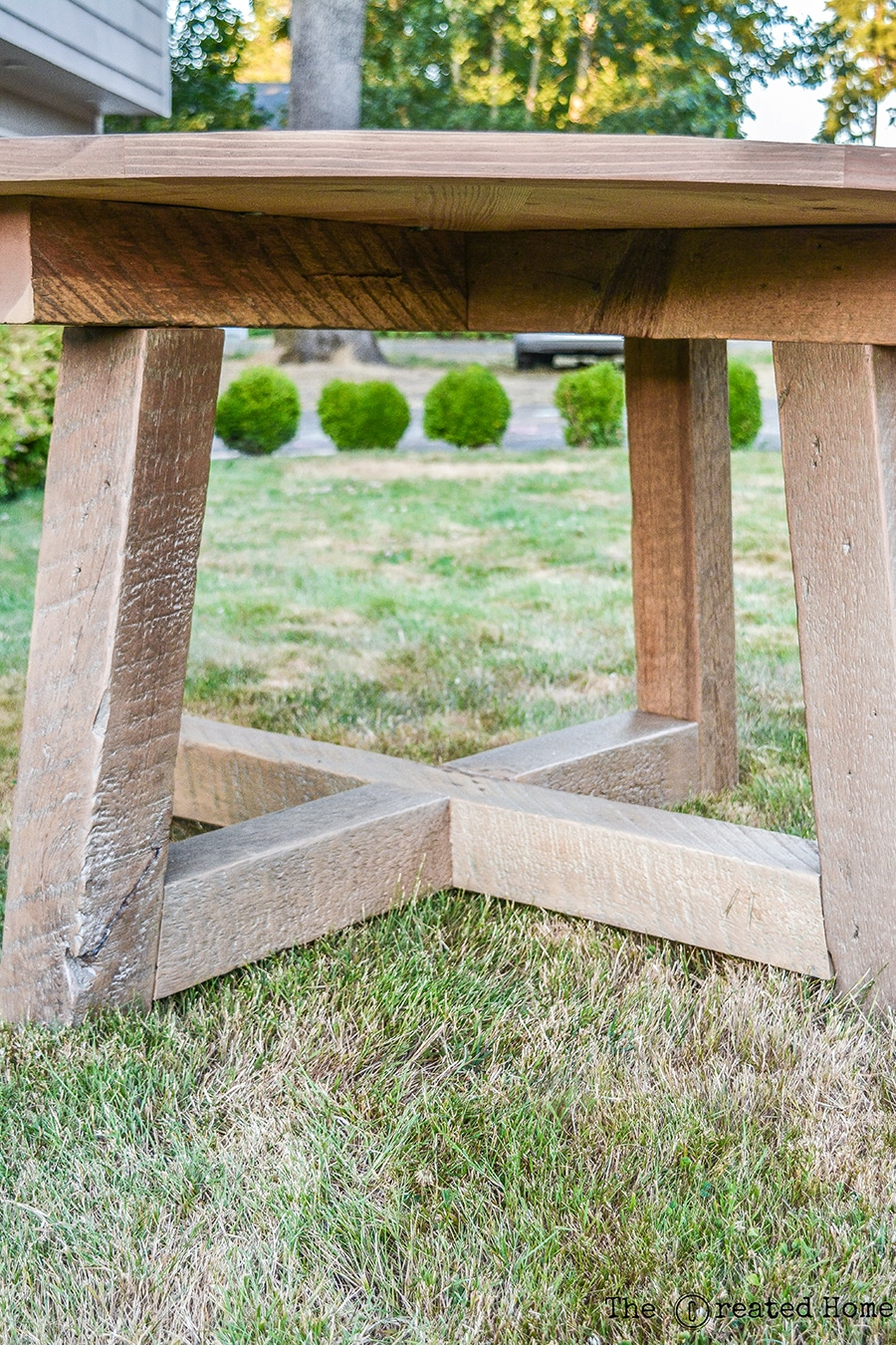 How to build a DIY round dining table from salvaged wood beams. Plans by Jen Woodhouse.