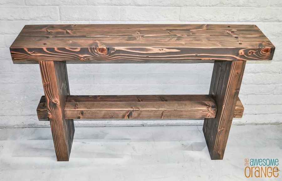 Free plans to build a DIY chunky 4x4 console table