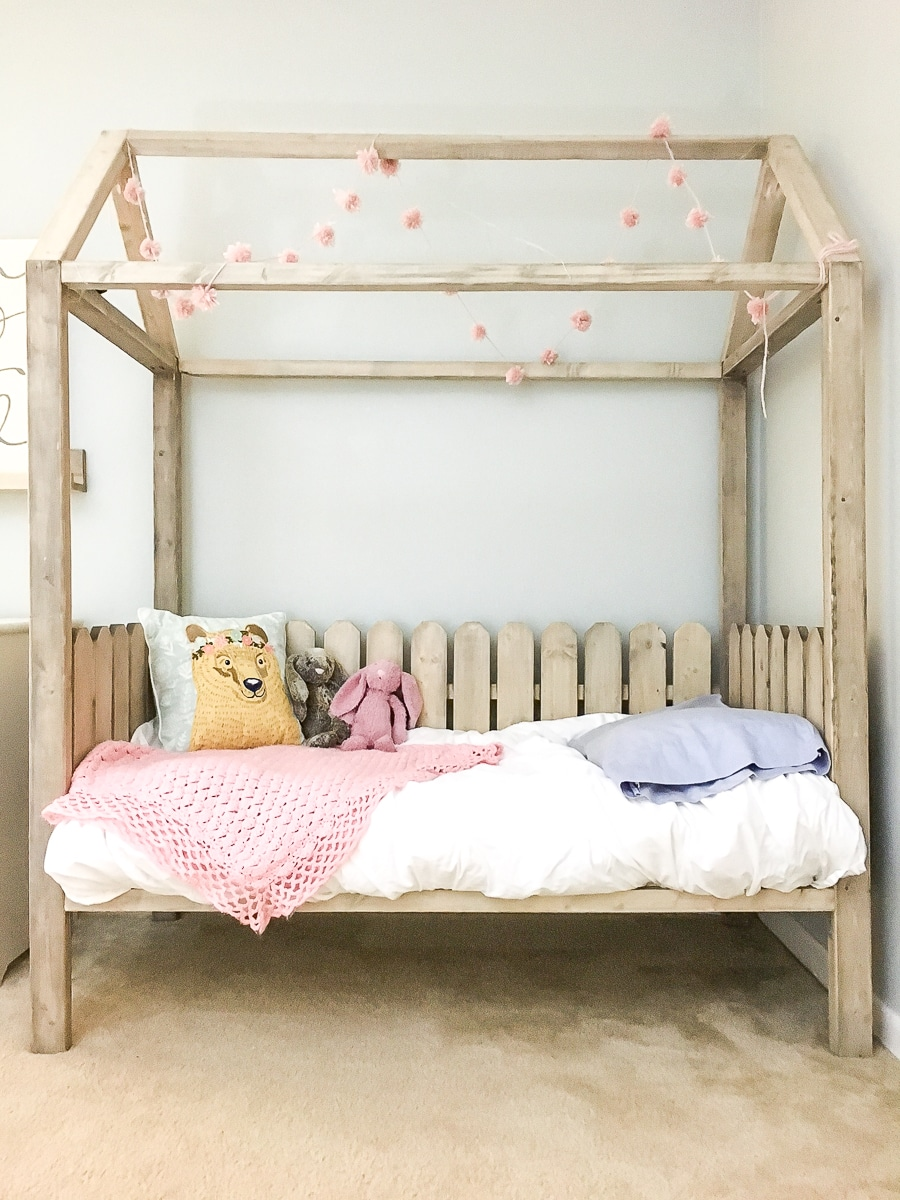 How to build a DIY toddler house bed - free plans