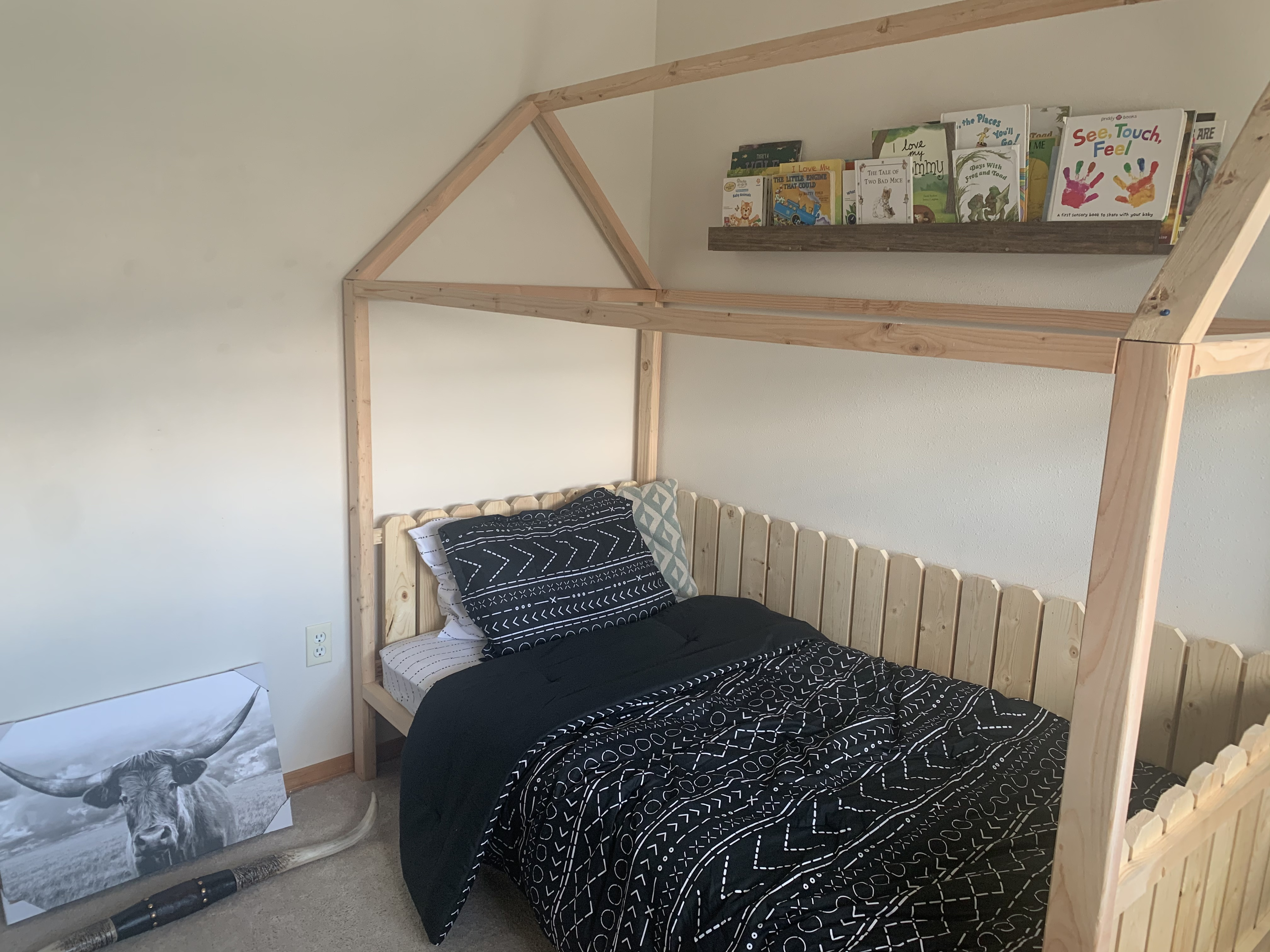 Toddler house bed Twin