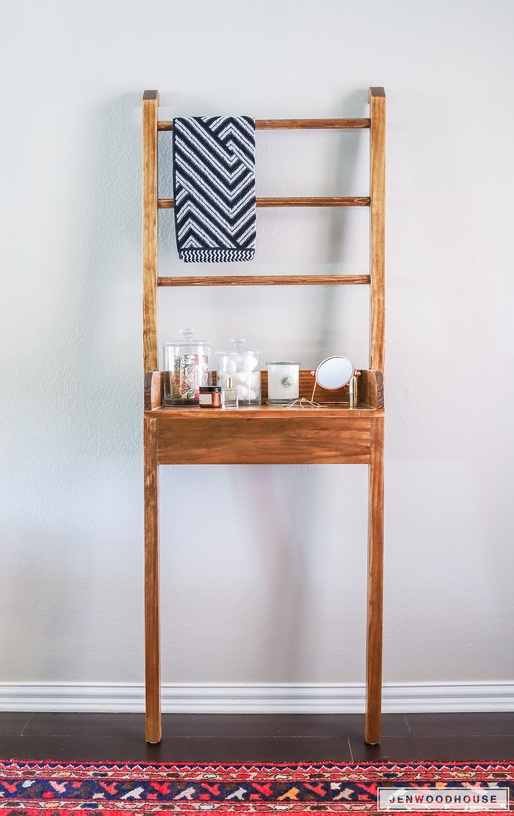 How to build a DIY leaning bathroom shelf