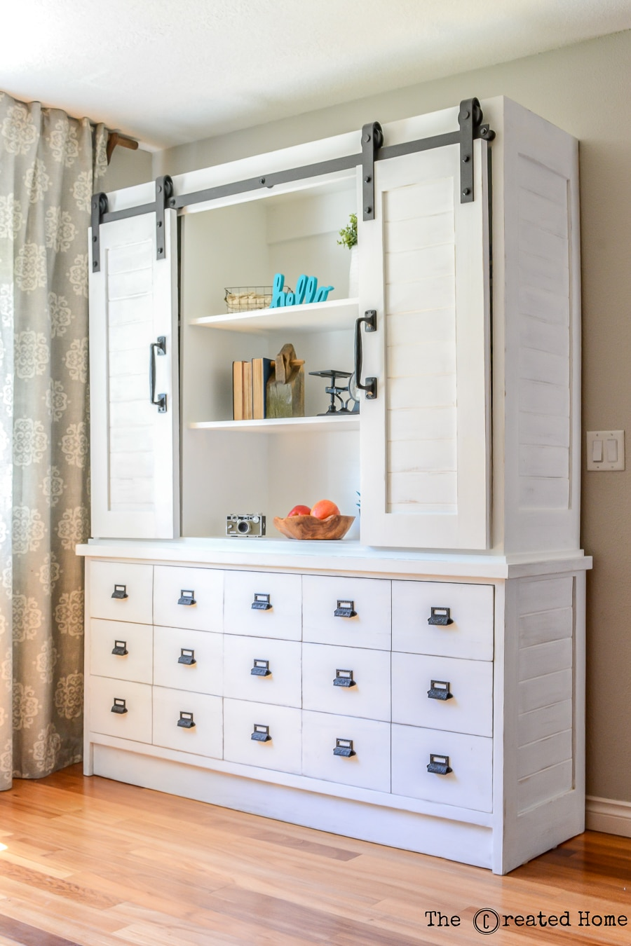 How to build a gorgeous farmhouse sliding barn door buffet and hutch
